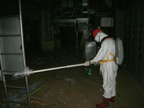 Tepco Says Fuel Rods at Fukushima Reactor Are Fully Exposed