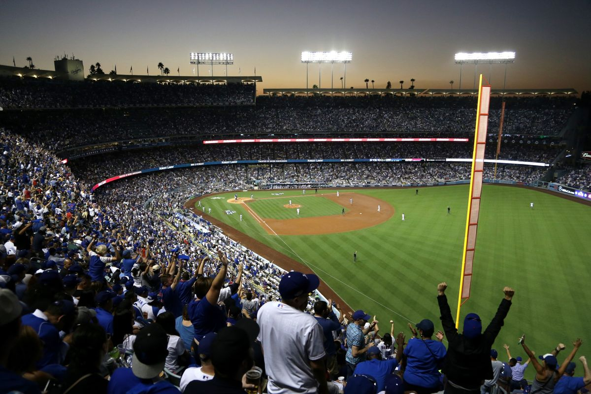 Los Angeles Dodgers Sell Stakes to Plummer, Smolinisky