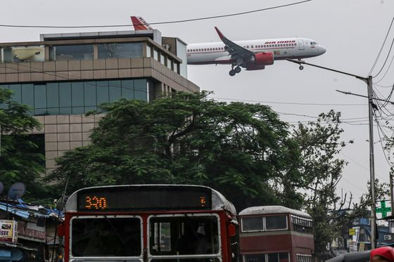 Airline Deal Burnishes India Equity Appeal Amid China Crackdown