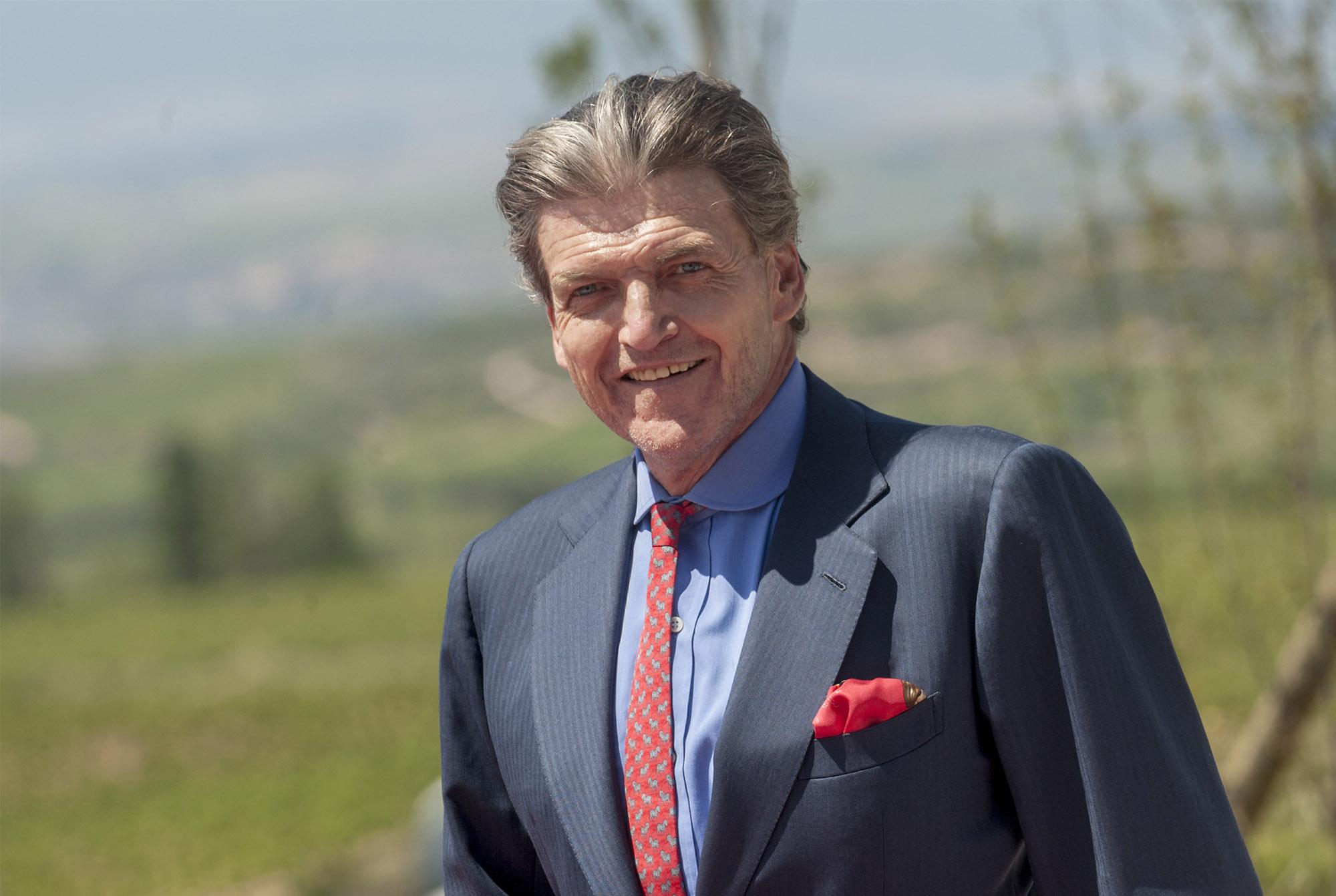 King Juan Carlos inaugurates Macon Winery