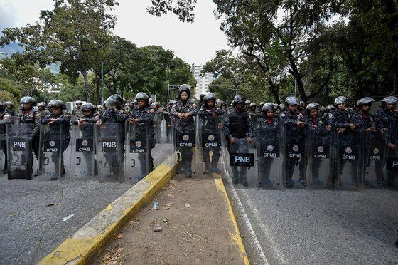 Venezuelans Take to the Caracas Streets to Pressure Maduro