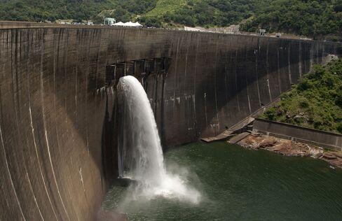 ZIMBABWE-ZAMBIA-DAM-ENERGY-ENVIRONMENT