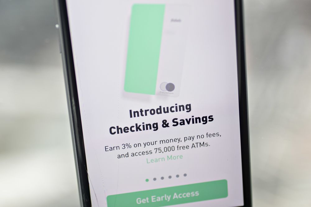 Robinhood Will Retool Checking Product Following Scrutiny