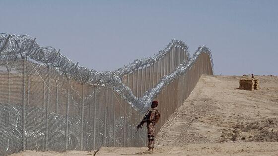 Pakistan Will Add60,000 Troops to Patrol Afghan Border