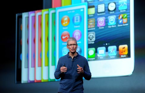 Apple Unveils Smaller IPad to Deflect Google-Led Tablet Rivals