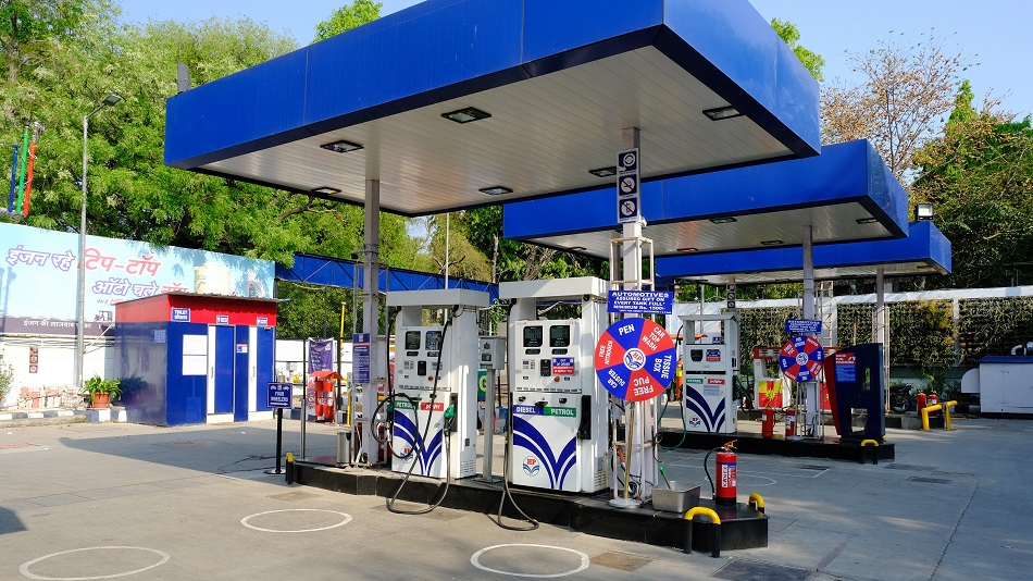 Hindustan Petroleum: Costly Oil Hurting Indian Economy thumbnail