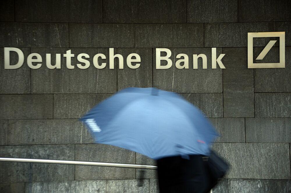 Deutsche Bank Faces Tough Asia Battle With HSBC, Citigroup - Bloomberg