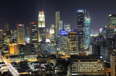 Singapore REITs to Vary Funds on Interest Rates