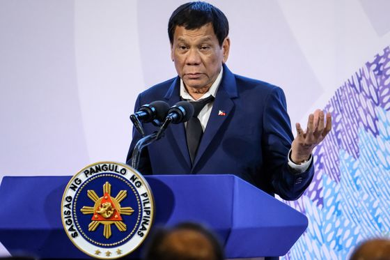 `Contentious' Duterte, Philippines' Inflation Worry for Moody's