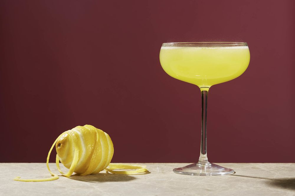 How To Make Hemingways Death In The Afternoon Cocktail