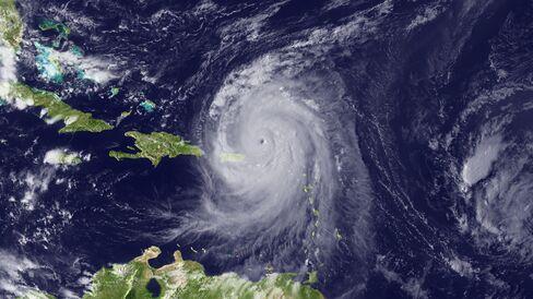 Tropical Storm Fiona Joins Earl, Danielle in Atlantic Ocean