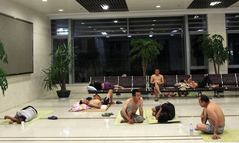 Dozens Die in Asia Heat Wave as Power Supply Strained to Limits
