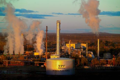 Billionaire Bulgheronis Agree to $1.5 Billion in YPF Shale Deal