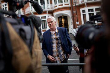 Icelandic journalist and WikiLeaks spokesperson Kristinn Hrafnsson speaking with media outside the Ecuadorian embassy in central London in 2012.