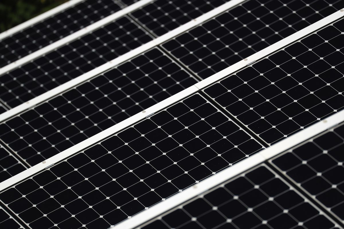 bloomberg.com - Brian Eckhouse - Biggest U.S. Solar Manufacturer Wants to Keep Trump's Tariffs