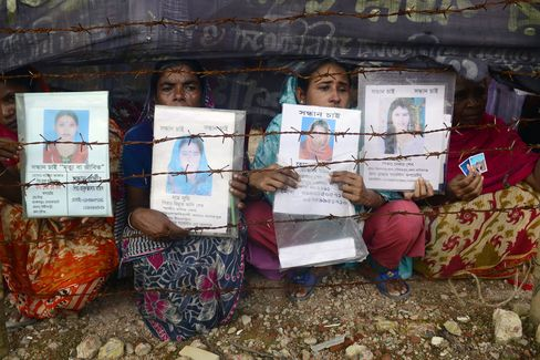 Bangladesh Factory Victims Wait as Compensation Meeting Delayed