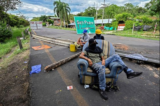 Losses Soar as Unrest Hits Colombian Ports, Mines and Refineries