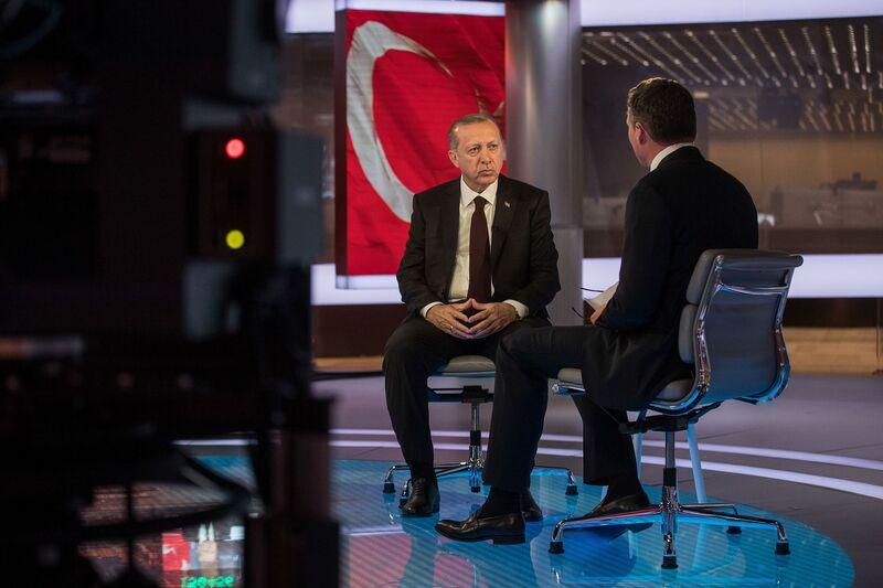 Ο Ερντογάν ρίχνει λάδι σε μαινόμενη φωτιά