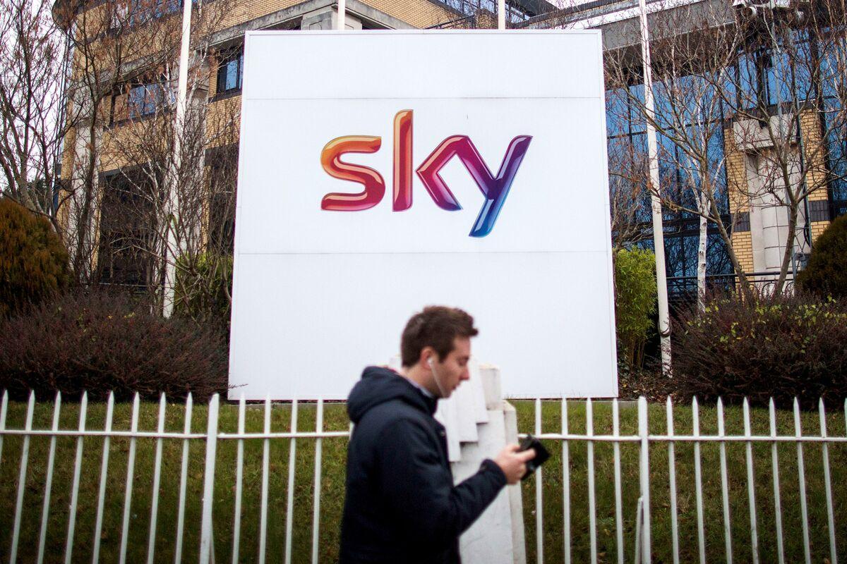 Comcast Takes on Fox, Disney With $31 Billion Bid for Sky thumbnail