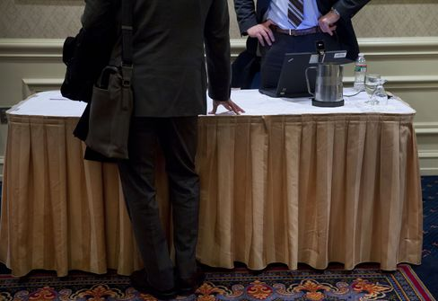 Jobless Claims in U.S. Increase for First Time in