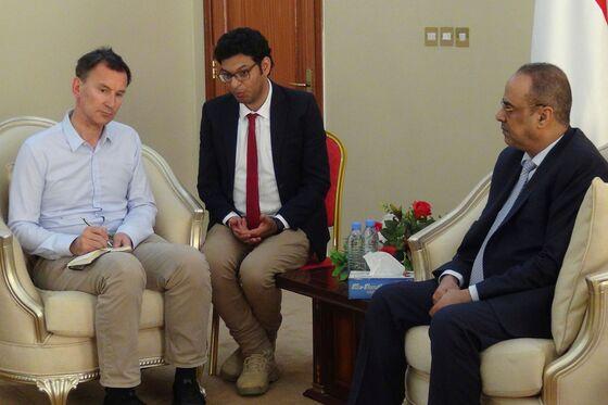 U.K. Foreign Secretary Visits Yemen, Urges Greater Peace Efforts