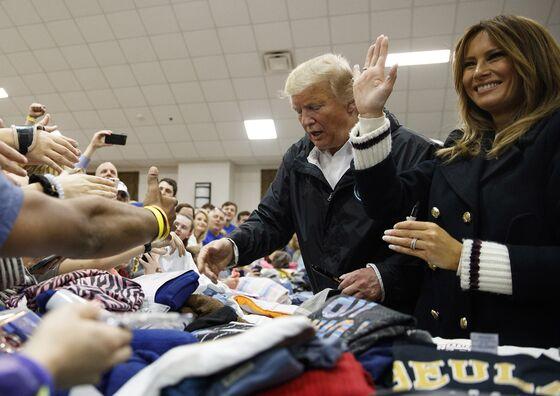Trump Meets Tornado Victims, Signs Bibles in Alabama Visit
