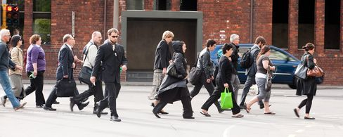 N.Z. Jobless Rate Rises to Two-Year High of 6.8%; Kiwi Falls
