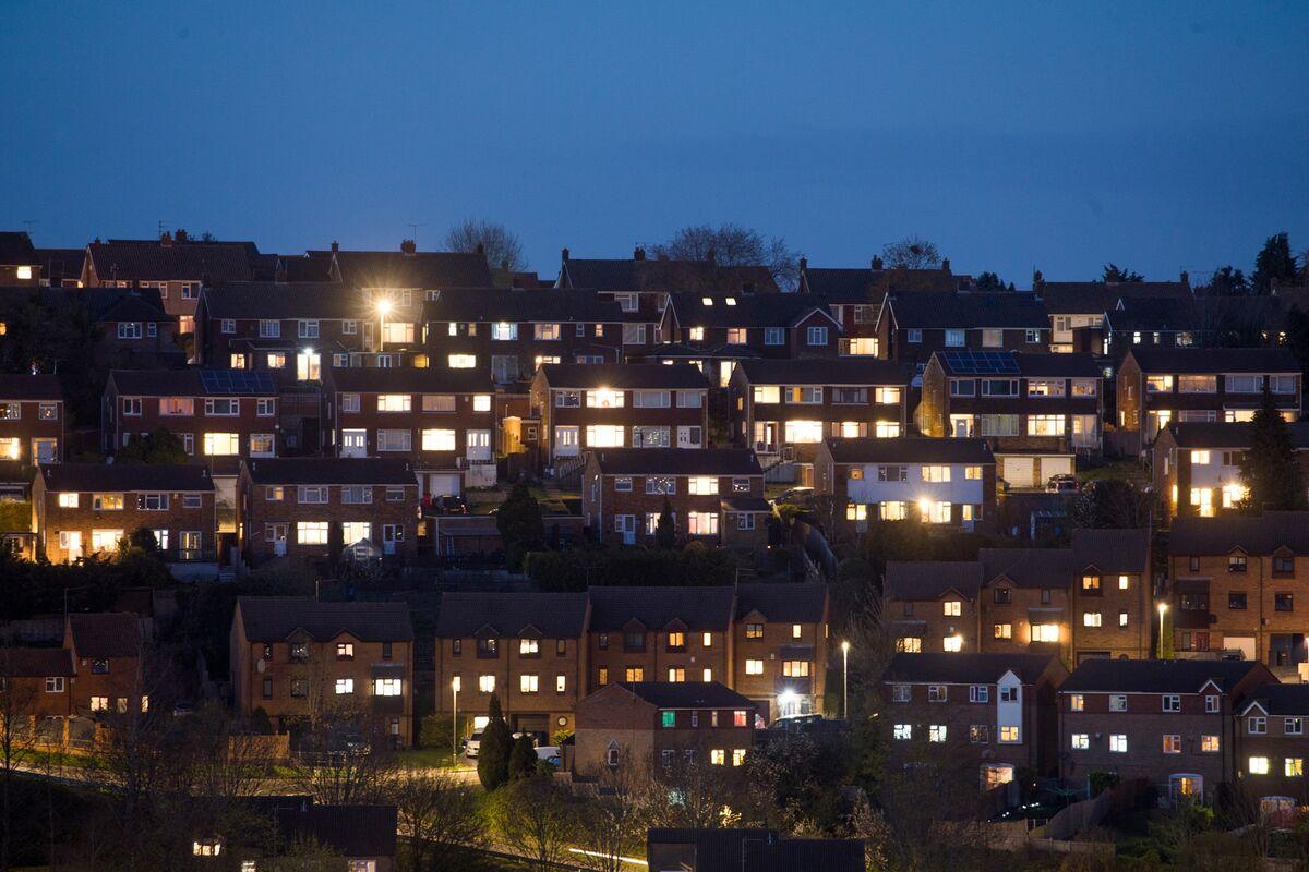 bloomberg.com - Rachel Morison - Centrica Drops as U.K. Price Cap on Energy Bills to Be Extended