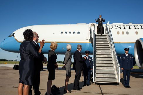 Obama Leads in Poll as Most See Romney Out of Touch With Voters