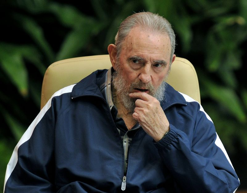 fidel castro communist former leader of dies at bloomberg papal