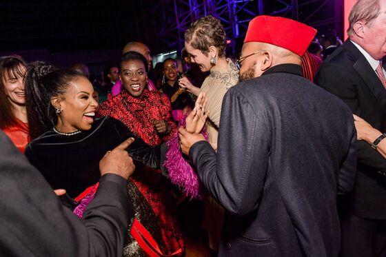 Lloyd Blankfein Helps Black Artists, Kobe Bryant Funds Diapers