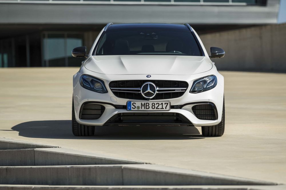 The Mercedes Benz Amg E63 S Wagon Is An Elite Car Bloomberg