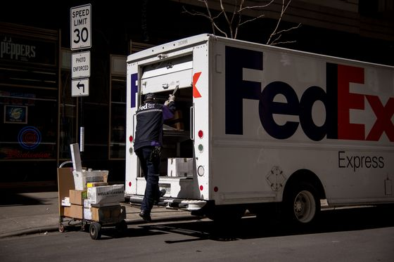 FedEx to Start Next-Day Delivery for Orders as Late as Midnight