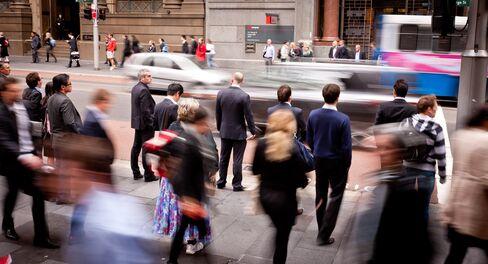 Aussie Dollar Gains on Jobs, Japan Stocks Rise; Oil Retreats