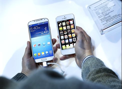 Apple Reprieve Over Samsung Seen Aiding Cheaper IPhone Push