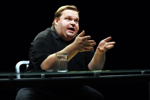 Mike Daisey's Apple Explanation Is ... Awkward