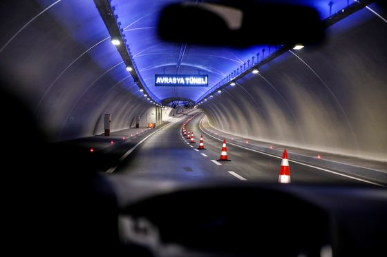South Korean Conglomerate Puts Istanbul Tunnel Stake Up for Sale