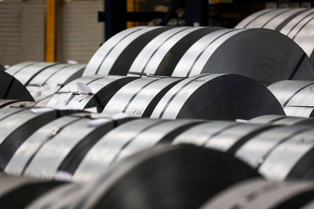 Kết quả hình ảnh cho U.S. Softens Stance on Rusal Sanctions; Aluminum Plunges
