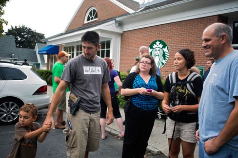 Starbucks to Customers: Please Leave Your Guns at Home