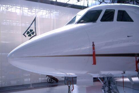 Falcon 2000 Jet