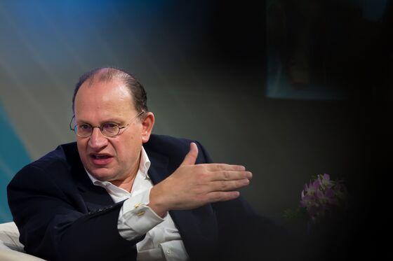 HSBC, StanChart Defy U.K. to Endorse Hong Kong Security Law