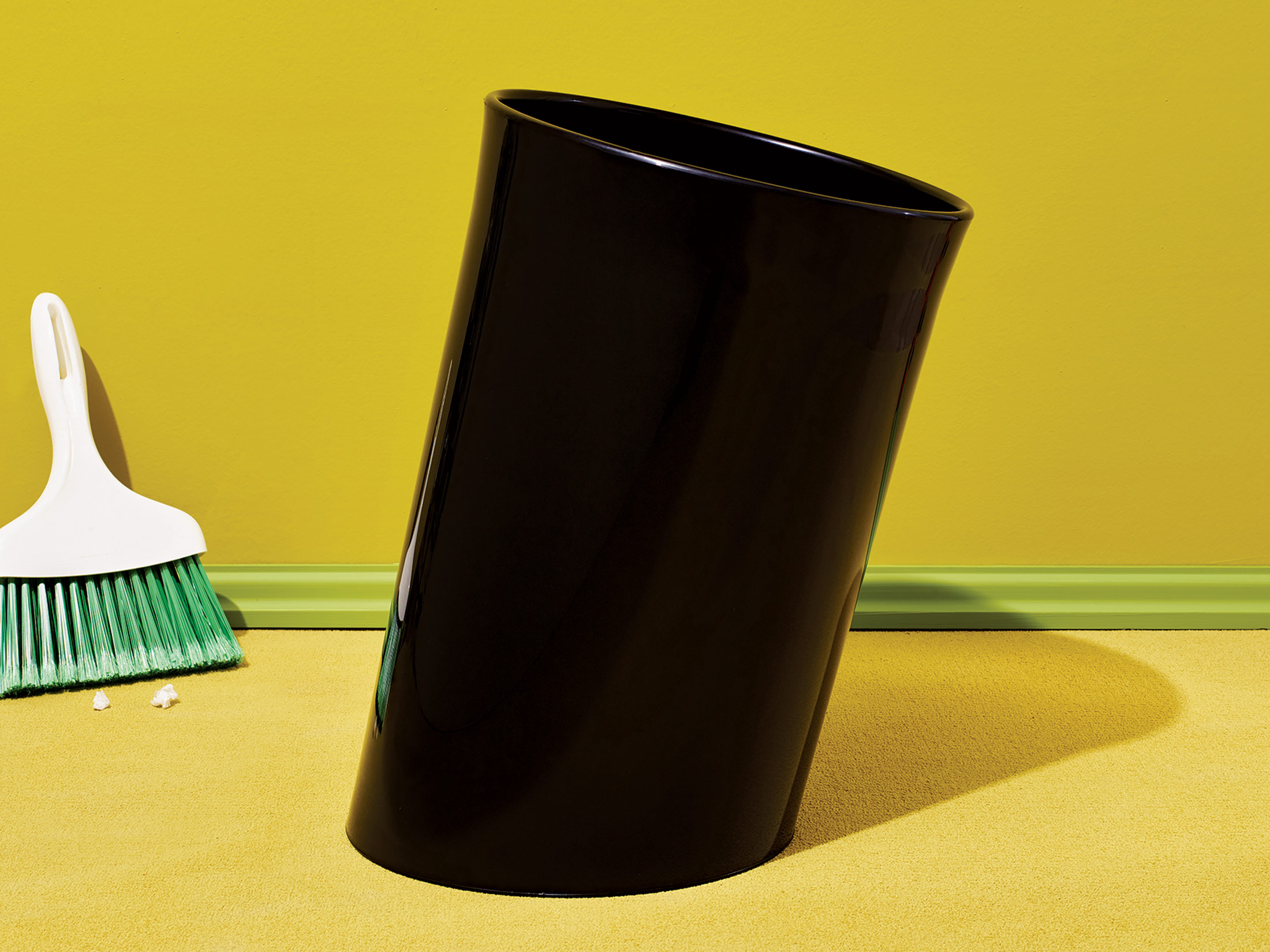 eight office trash cans by furniture designers bloomberg. Black Bedroom Furniture Sets. Home Design Ideas