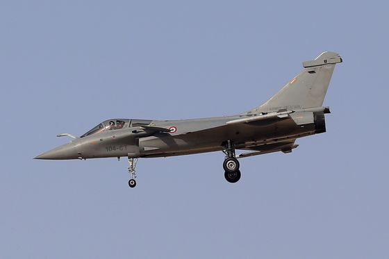 India Top Court Refuses to Order Probe Into French Warplane Deal