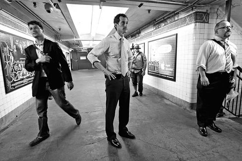 Anthony Weiner Runs for Mayor of New York, and Away From His Past