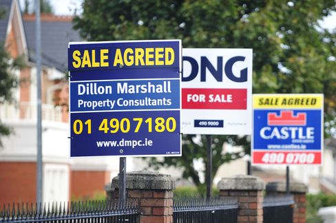 Irish Ready to Quiz Bankers Amid Concern Real Estate Bubble Back