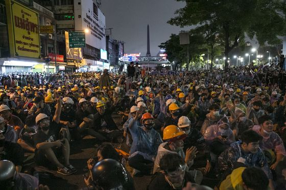 Thailand Threatens to Censor Media Outlets as Protests Swell