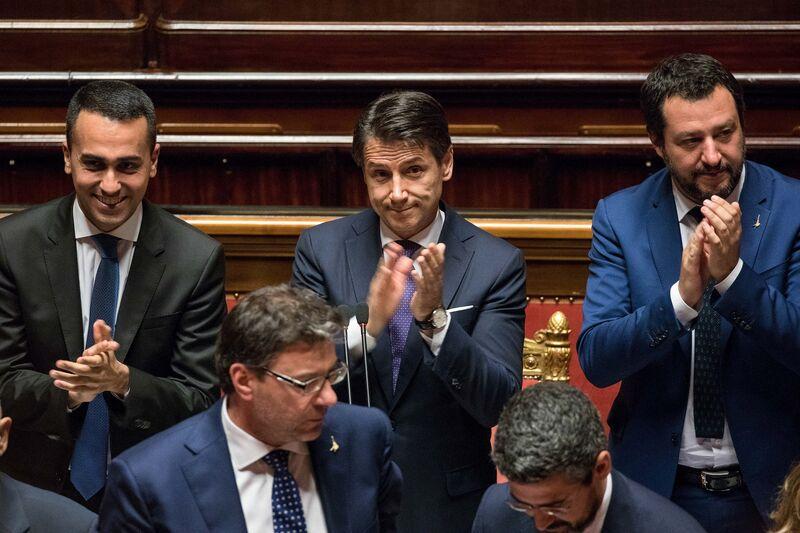 Οι λαϊκιστές της Ιταλίας ξεκινούν την προδοσία