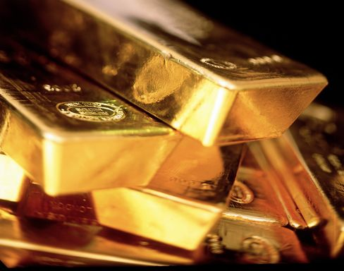 Gold Producers Rise From 28-Year Low on Profit: Corporate Canada