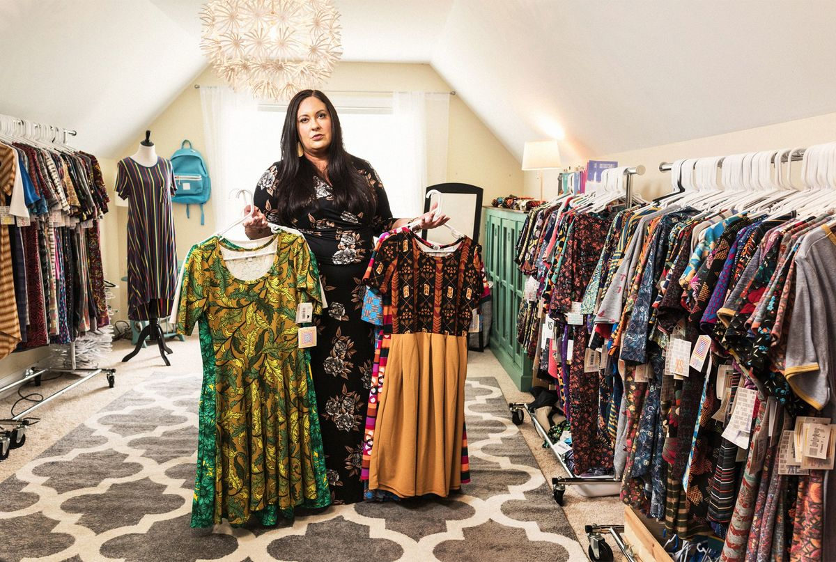 77942aaaa127d3 Thousands of Women Say LuLaRoe's Legging Empire Is a Scam - Bloomberg
