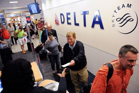 As Airlines Grow Bigger, Do They Actually Get Better?